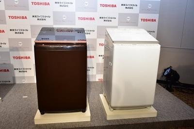 左が洗濯10kg、乾燥5kg対応の「AW-10SV6」、右が洗濯9kg、乾燥5kg対応の「AW-9SV6」