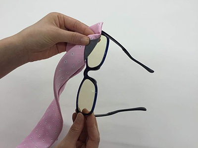 メガネはもちろん、スマートフォンやタブレットを拭くこともできる