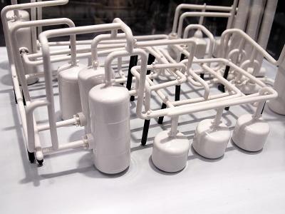 こんなものまで作れる「プラントセット」(2万円)も用意されている。白一色がカッコいい
