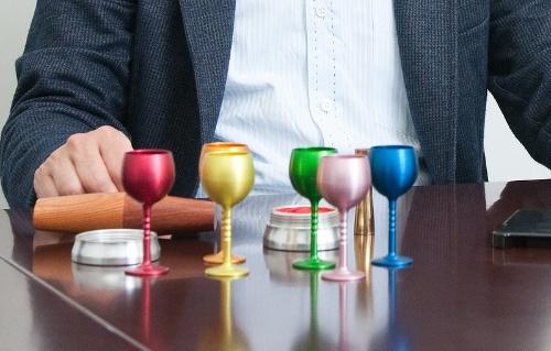 「MOLATURA」(モラトゥーラ、イタリア語で削り出しの意味)の第1弾として展示会に出展したワイングラス