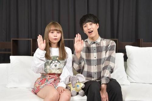 「ぱお~」。パオパオチャンネルの@小豆さん(左)とぶんけいさん(右)。ほぼ毎日のペースで動画をアップしており、チャンネル登録者は40万人を超える人気YouTuberだ