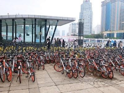 シェアサイクルは、都市部で見掛けない日はないほど普及している