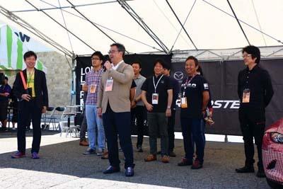 毎年、マツダのロードスター開発担当チームをゲストとして招いて行う、ロードスターにまつわるトークショー。今年も大いに盛り上がっていた