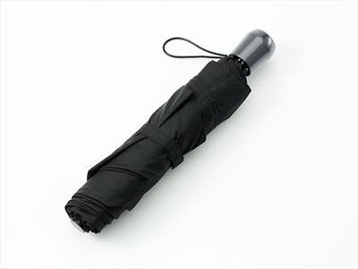 親骨の長さは65㎝で、一般的な長傘と同じ大判サイズという点にも注目