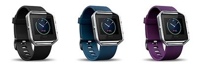 Fitbitのスマートフィットネスウォッチ「Blaze」。実勢価格は2万6800円(税別)。ベルトのカラーは左からブラック/ブルー/プラムの3色を用意するほか、Small/Largeの2サイズが選べる
