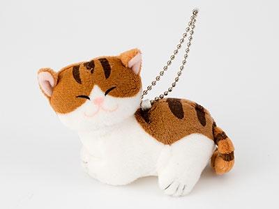 「ぬいぐるみ」(1200円)。「猫を抱く少女」の絵の、猫の部分だけぬいぐるみ化するとは……