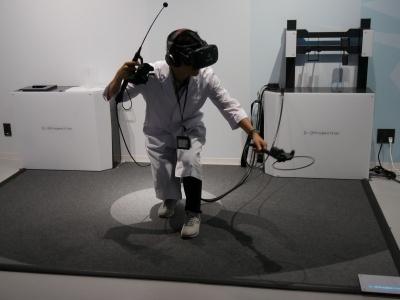 魚がヒットした瞬間や、すくいあげる瞬間の振動が楽しい「釣り VR GIJIESTA(ギジエスタ)」