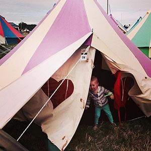 Worthy View with a toddler (c) Anna / glastonburyfestivals.co.uk