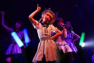 日本のアイドルグループ、アキシブproject。海外遠征の経験もある。 TIF in BANGKOKのステージにて