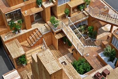 大東建託と建築家の藤本壮介氏による「賃貸空間タワー」は専有空間を極小にして、広い共用空間に豊かな生活を実現する提案。細かい空間がランダムに配置され、さまざまな「場」を作り出す