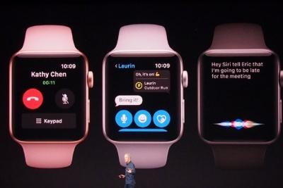 電話、メッセージ、Siriなども、単独で使える。利用シーンが広がるのはユーザーにとって大きなメリットだ