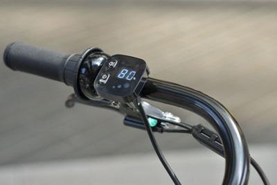 バッテリー残量が分かりやすい新スイッチ「スマートワンタッチパネル」を採用している