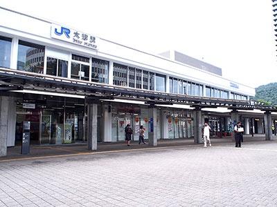 ビエラ大津の外観。JR琵琶湖線で京都駅から大津駅までは約9分。駅舎の改装だけでなく、駅コンコースや案内サイン、トイレなども改修された