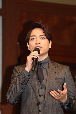同じく2016年のヒット人に選ばれた俳優の山崎育三郎