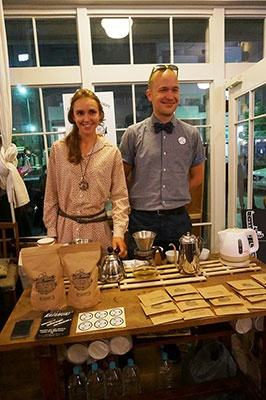 イベントでは茶葉や茶器などの輸入などを行うブランド「極東雑貨」がスパークリング緑茶を販売。利き酒師の資格を持ち、日本茶にも造詣の深いブーラフ・ドミトリー氏も同ホテルのアンバサダーの一人