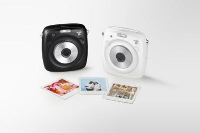 デジタルイメージセンサーを搭載したチェキ「instax SQUARE SQ10」の新色のホワイトを発売