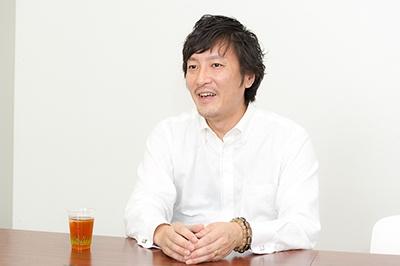金田博之氏。1975年山口県生まれ。大学卒業後、SAPジャパンに入社。29歳で副社長補佐、30歳で部長に着任、35歳で本部長に昇格するなど、グローバル企業の第一線で活動。現在は、日本の大手製造業でグローバル新規事業に携わる。『アジアの非ネイティブに学ぶビジネス英語速習術』(日経BP)など、これまで8冊の書籍を出版