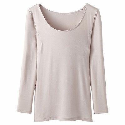 「トップバリュ ピースフィット しっとりなめらか 8分袖(汗取りパッド付き)」(1280円)。素材はアクリル48%、レーヨン46%、ポリウレタン6%。味の素のアミノ酸を配合したアクリル繊維を使用している