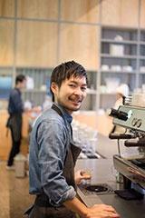 バリスタの藤岡響氏。日本の店舗で働くバリスタたちに教育するトレーナーでもある