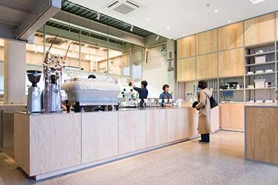 ブルーボトルコーヒーの店舗。写真は中目黒店