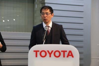 厳しい環境で使われるハイエースだからこそと、Toyota Safety Sense Pの搭載理由を説明するトヨタの野村 淳チーフエンジニア