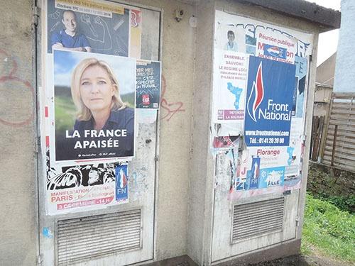 町のあちこちに、ルペン候補のポスターが貼られていた