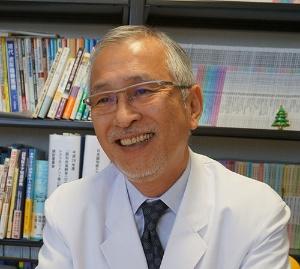 <b>和光病院院長の今井幸充医師</b><br />聖マリアンナ医科大学卒業。日本社会事業大学大学院教授などを経て現職。日本認知症ケア学会理事長なども務める。40年近くアルツハイマー病に関する診断・治療を行うだけでなく、認知症介護家族者の介護負担に関する研究も行う。