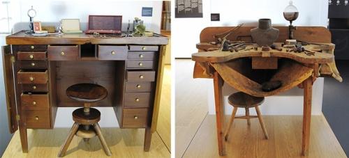 ミュージアムに展示されていた、互いに向き合う2つの机。左がショパール家に伝わる時計職人の机で、右がショイフレ家に伝わる宝飾職人の机