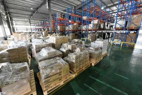 杭州にあるコアラの越境EC用倉庫。日本メーカーの存在感は薄い。