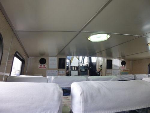 高速船船内の様子