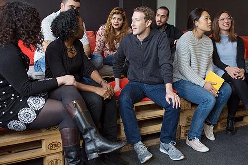 フェイスブックのマーク・ザッカーバーグCEOも2月にReDIスクールを訪れ、支援を決めた