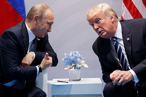 トランプ大統領の登場による米露関係改善への期待は萎んだ(写真:AP/アフロ)