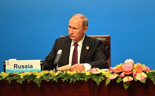 プーチン大統領は、中国のアモイで開かれたBRICS首脳会議閉幕後の記者会見で、米国への不満をぶちまけた(写真:代表撮影/Russian Look/アフロ)