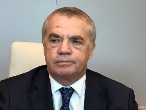 """<span class=""""fontBold"""">アレクサンドル・メドベージェフ氏</span><br />  ロシア最大の国営天然ガス会社「ガスプロム」副社長。モスクワ物理工科大学卒。2002年から同社経営陣に参画し、主に輸出部門を担当。1955年8月生まれ、極東サハリン州出身。63歳。"""