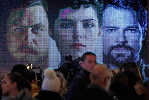 映画「マチルダ」の試写には多くの市民が集まった(写真:ロイター/アフロ)