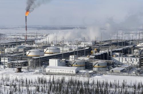 ロシア最大の石油会社「ロスネフチ」が所有するクラスノヤルスクの油田(写真:ロイター/アフロ)