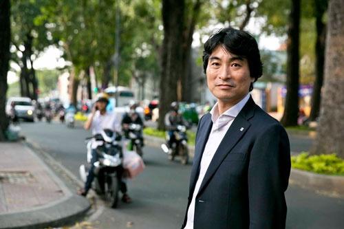 正脇幹生氏は「10年、20年先を見据えてブランドを根付かせる」と意気込む(写真:的野弘路)