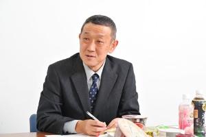 <b>「ベーシック先生」こと、日経ビジネスベーシック編集長の谷口徹也</b>