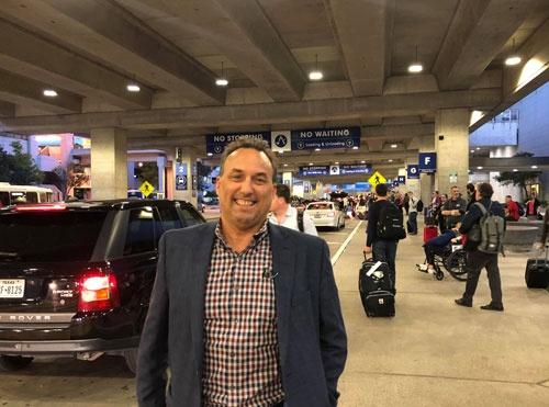 いざ、テキサス出張。ダグと一緒にようやく空港に着きました