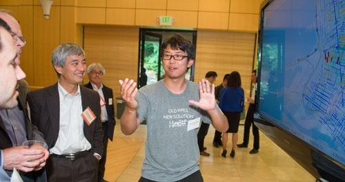 スタンフォード大学の研究員を辞めてチームに加わった吉川君も伸び伸びやっています。