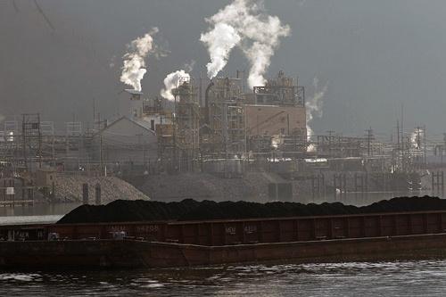 ウェストバージニア産の石炭は火力発電用の燃料としても用いられる(写真:Andrew Lichtenstein/Getty Images)