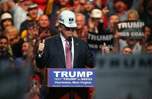 ウェストバージニアで圧倒的な支持を得たドナルド・トランプ(写真:Mark Lyons/Getty Images)