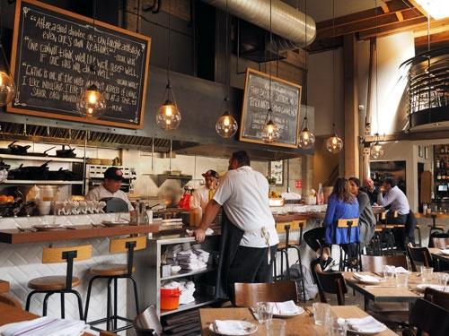 インポッシブル・バーガーを提供しているサンフランシスコ市内のレストラン「コックスコム」(写真:林幸一郎)