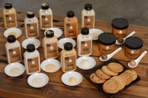 ハンプトン・クリークの主な商品群。マヨネーズやドレッシング、クッキー、クッキー生地(写真:林幸一郎)