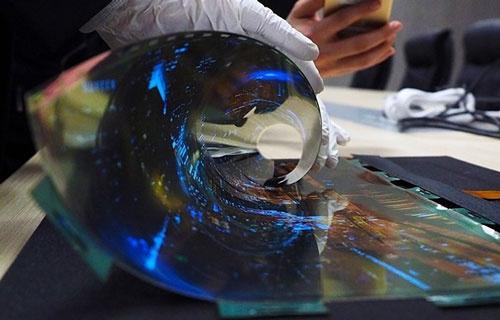 1月のCESで展示した、LGディスプレーの有機ELパネル