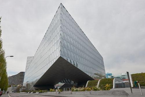 JTIの新社屋建物(撮影は全て永川智子)