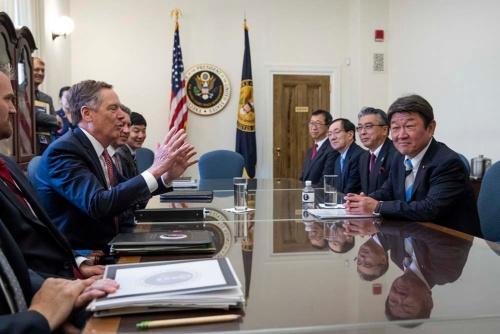 8月9日から米ワシントンで開催された日米通商協議(写真:AP/アフロ)