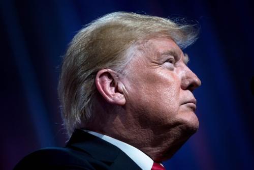 米中関係は貿易戦争から経済冷戦へ(写真:AFP/アフロ)