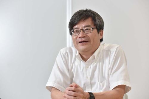 名古屋大学の天野浩教授(未来材料・システム研究所の未来エレクトロニクス集積研究センター長、写真撮影:上野英和、以下同じ)