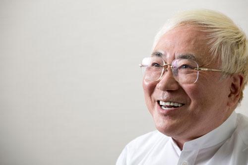 <b>インタビューに応じた高須クリニックの高須克弥院長</b>(撮影:的野弘路、ほかも同じ)